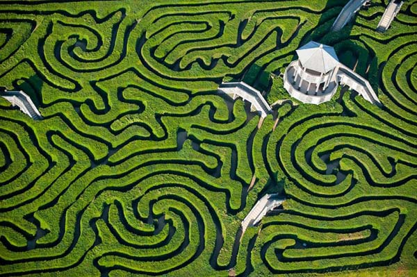 elect- Maze-at-Longleat-England