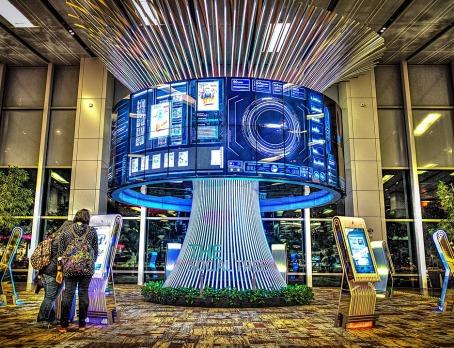 singapore-orologiu,pomil vietii