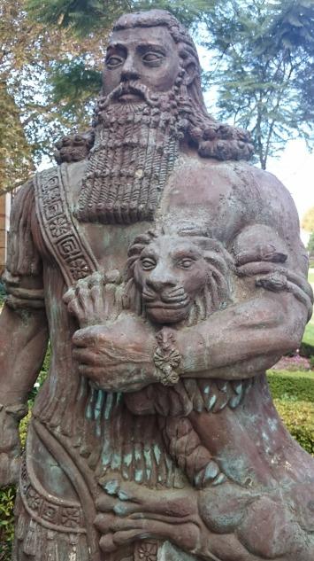 ghil in sidney cadau de la asiri