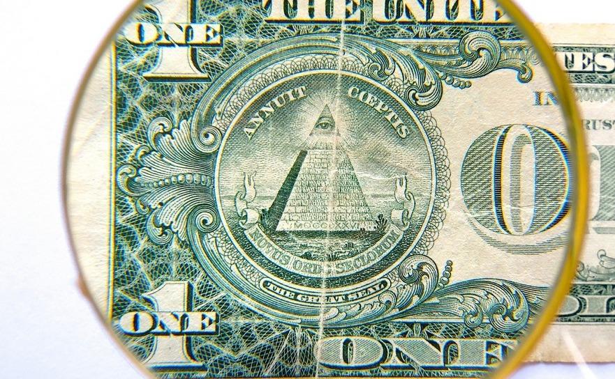 banii si ochiul.jpg